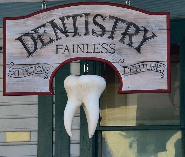 大きな歯の写真です。