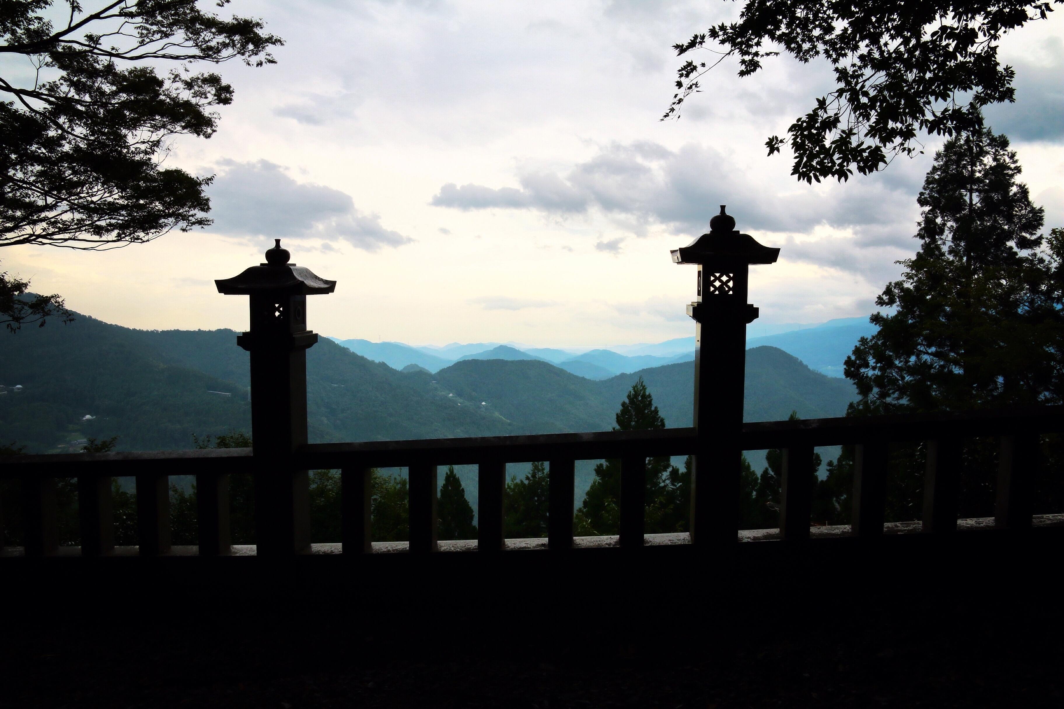 山々の景色の写真
