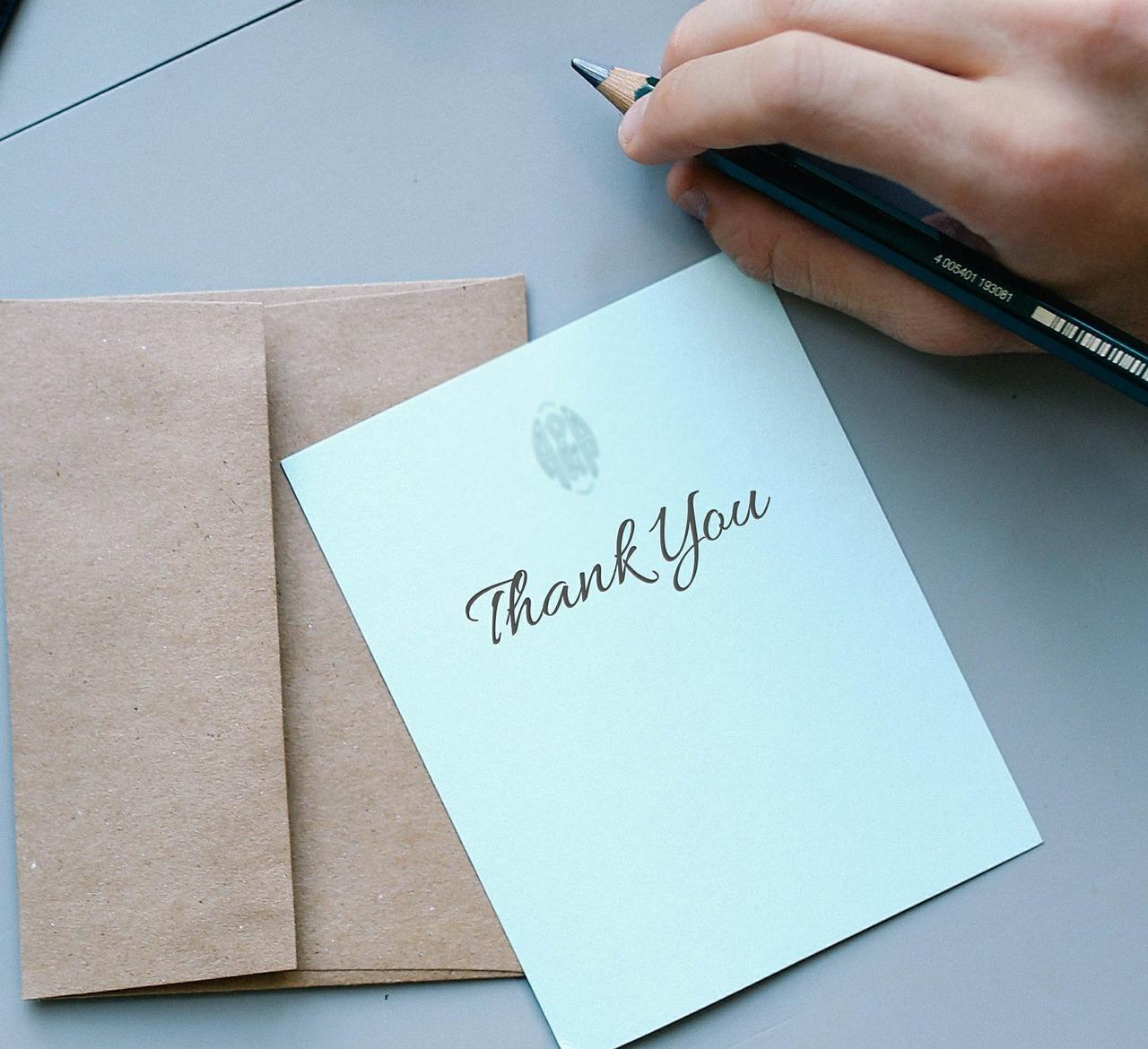 「thank you」と書かれた手紙