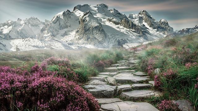 幻想的な山