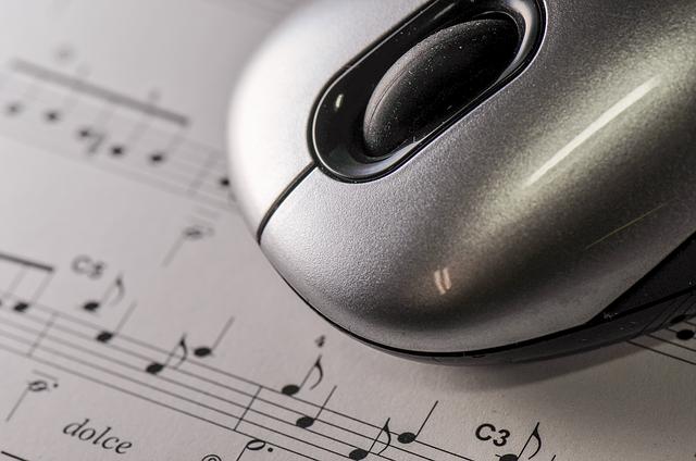 楽譜とマウス