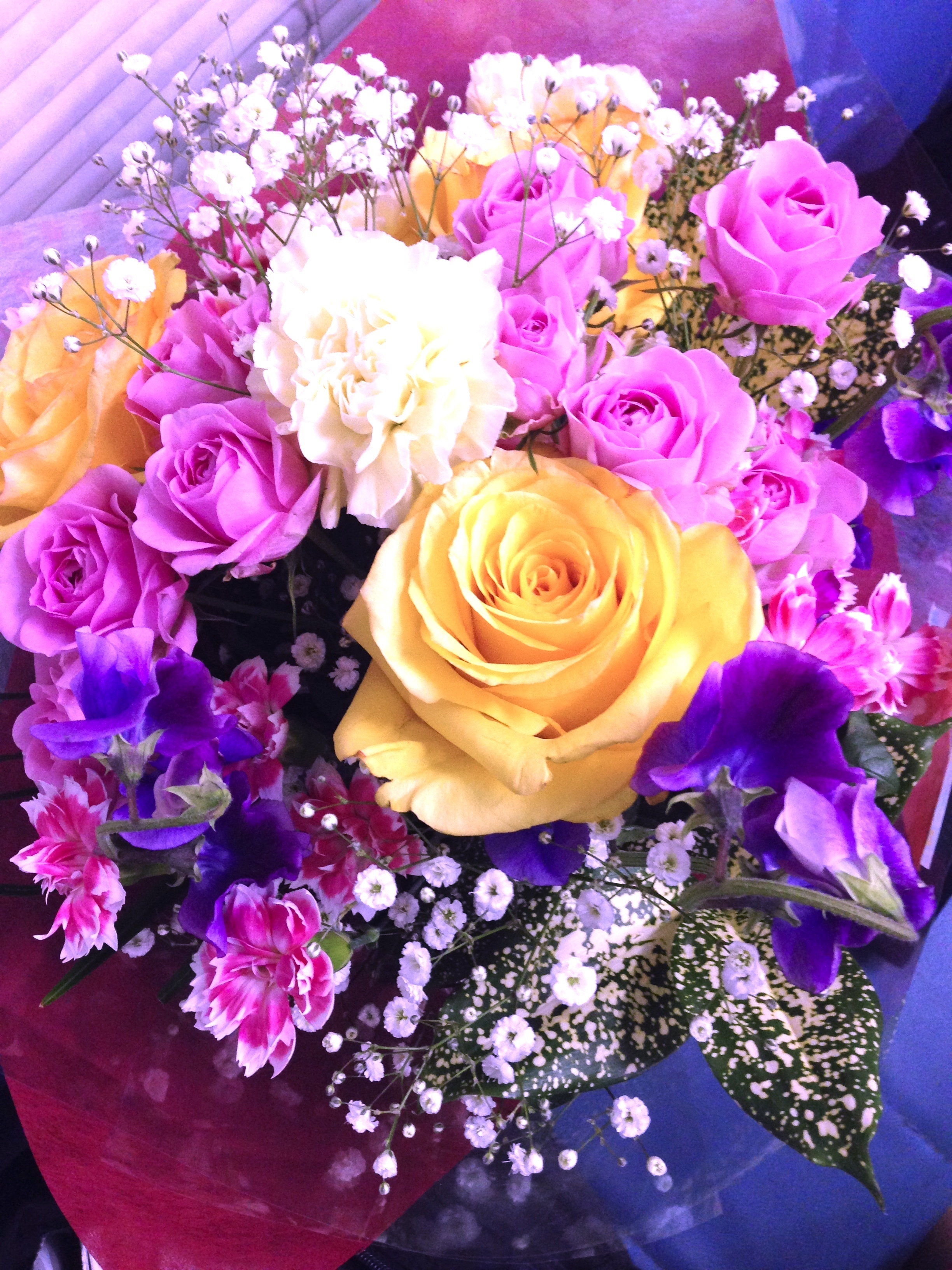 とても綺麗な花束です。