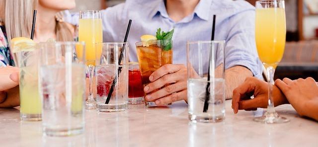 グラス、飲み物