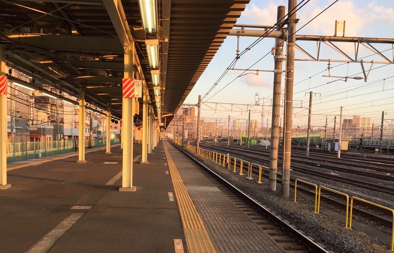 英語 乗り換える 電車 を 電車・駅で最低限必要な英語表現7選【英会話用・海外で役立つ!】