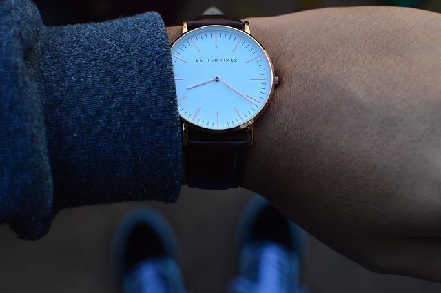 腕時計と、人の腕