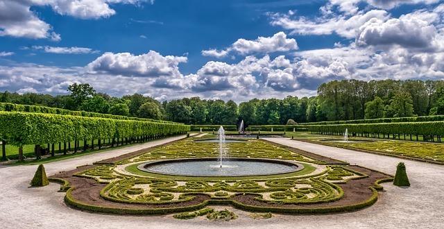 お城の庭園