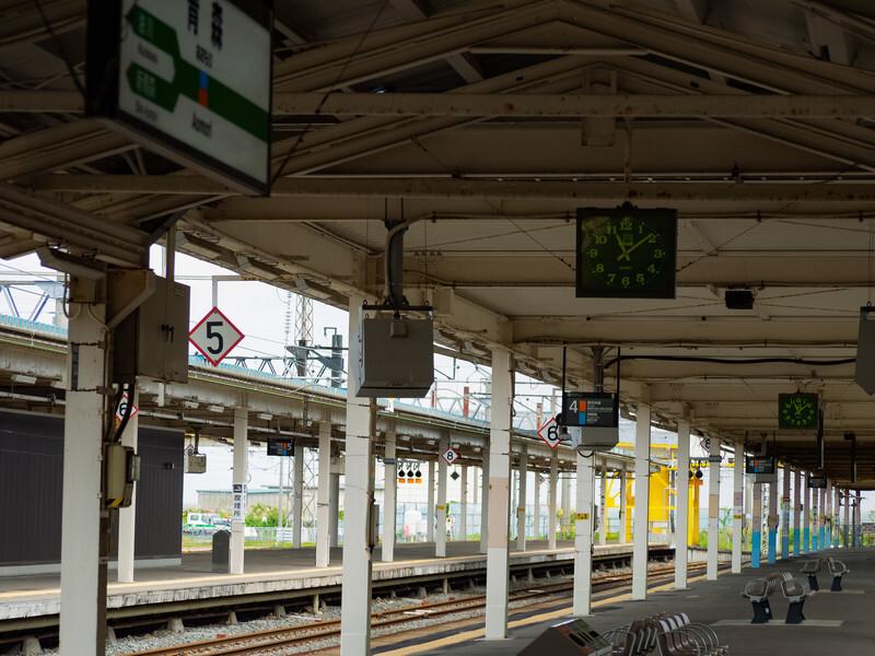 英語 乗り換える 電車 を 英語で電車案内の決定版|駅での乗り換え案内や乗り換えなし案内など!