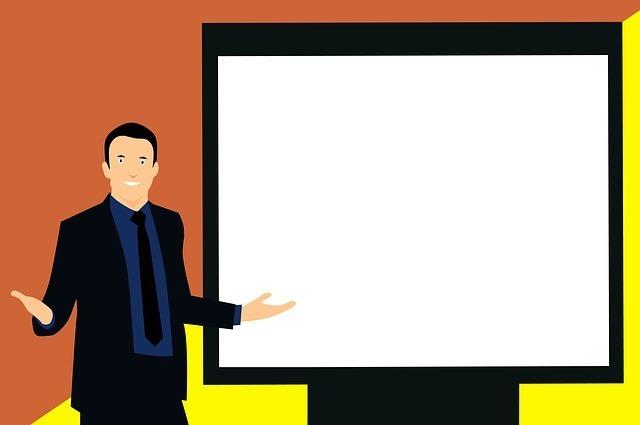 白いスライドの前に立って腕を広げる男性のイラスト
