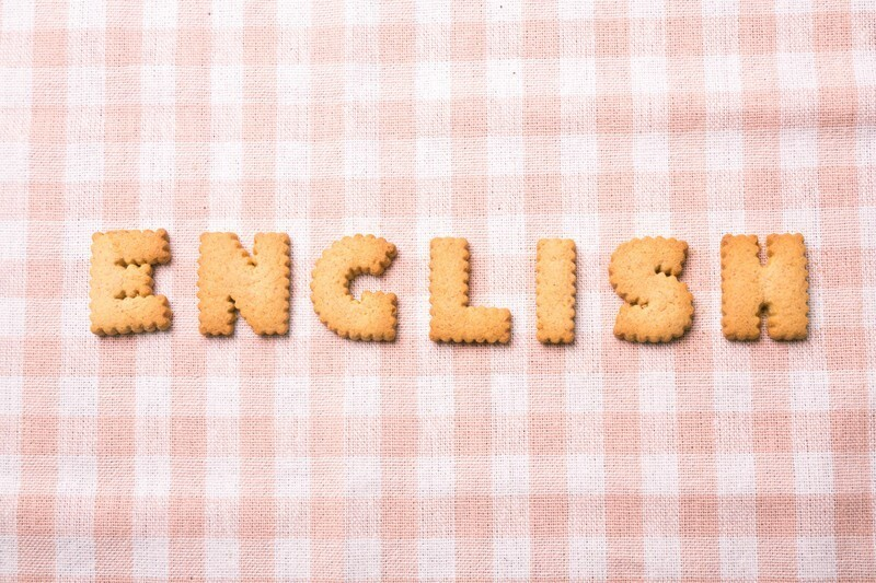 クッキーでENGLISHを表現した写真