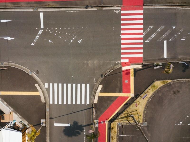 道路を上から写した写真