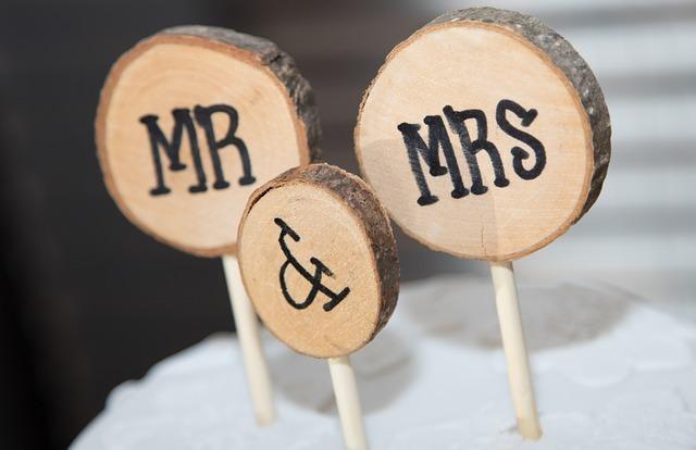 Mr and Mrs と書いてあるオブジェの写真