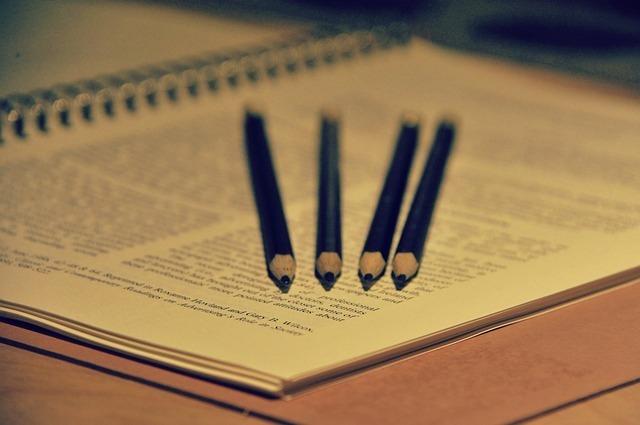 ノートと鉛筆