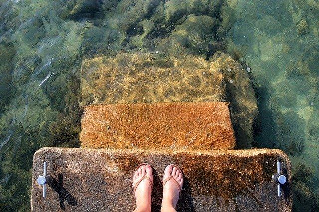 水際に立つ