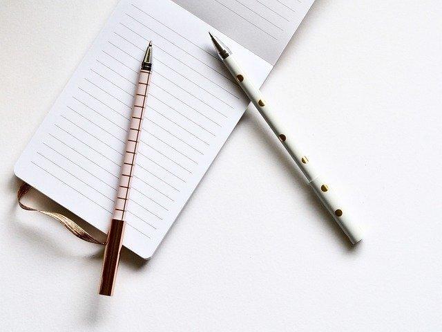 メモ帳と2本のペン