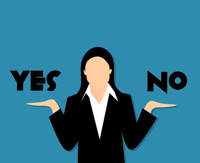 「Yes/No」と女性のイラスト