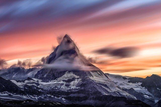 山頂と夕焼け